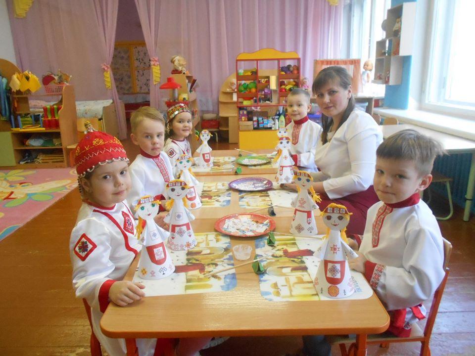 Мастер-класс по украшению нарядов кукол чувашским орнаментом